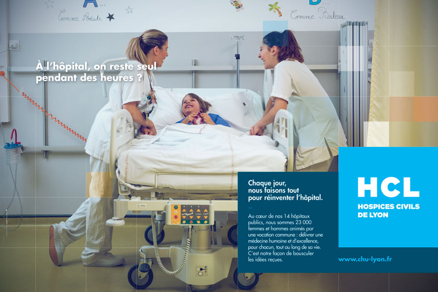À l'hôpital, on reste seul pendant des heures ?