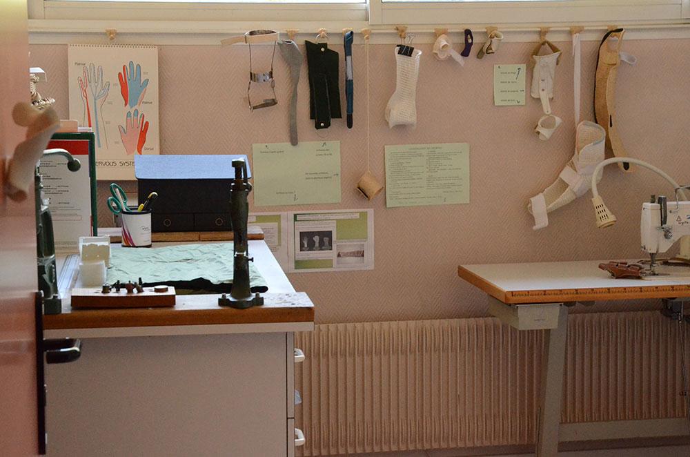 Fabrication de prothèses à l'hôpital Henry Gabrielle - HCL