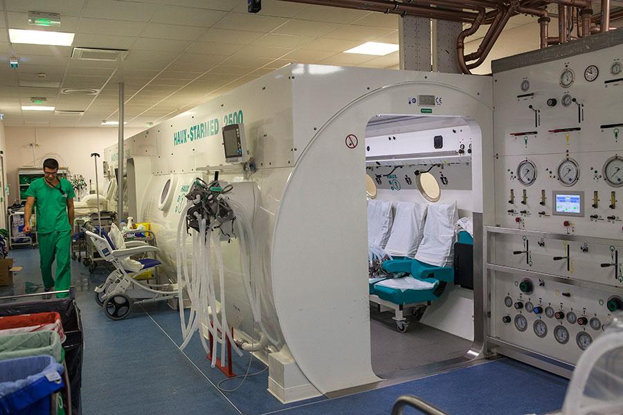 Caisson de médecine hyperbare à l'hôpital Edouard Herriot - HCL